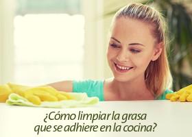 ¿Cómo limpiar la grasa que se adhiere en la cocina?